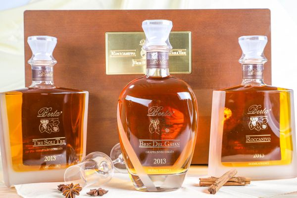 Berta Distillerie - 3er Geschenk-Box Grappa  La Casetta Tre Selezioni 2013