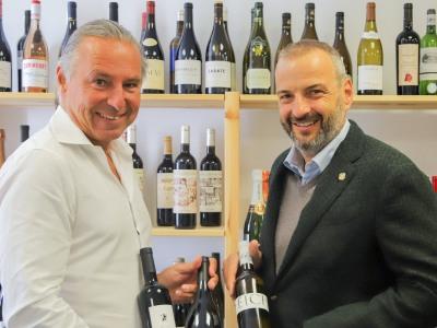 Winzer Florian Brigl und VIPINO-Weinscout Michael Liebert
