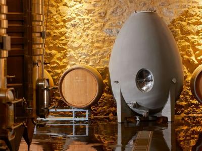 Modernste Kellertechnik bei Les Alexandrins