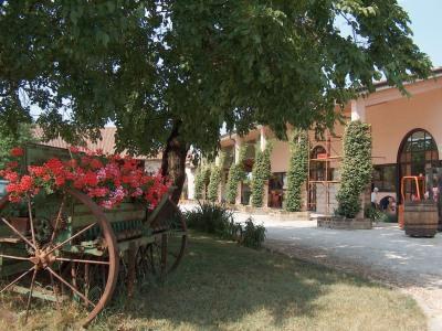 Eingang zur Tenuta Roveglia